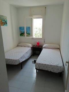 Segunda habitación (con vistas a la piscina y la montaña)