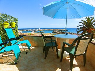 Cosy Seafront apartment in Amarilla Golf