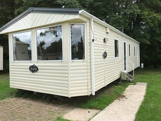 3 Bedroom Caravan (KG57), Shanklin, Sleeps 6-8, Pet Friendly