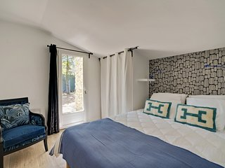 Gîte de charme Provence, 4 chambres, jardin privatif, piscines, parc