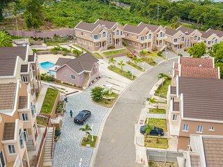 Tropical Luxury Dream Properties
