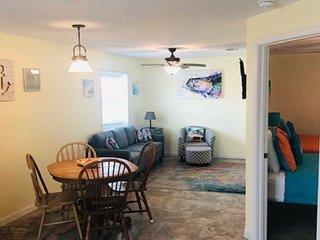 SIV4;1 Bedroom 1 Bath, Boardwalk to Beach with Large  Pool  NO PETS- Sleeps 4