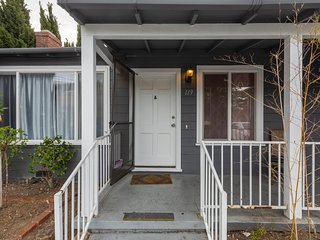 5BR House | Downtown Redwood City | Free Parking | Sleeps 16