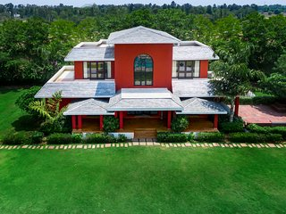 Sangeet Vilas- 4-bedroom farmhouse with a private pool/ 71652