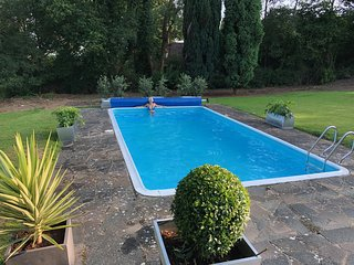 Countryside 4 Bedroom with Swimming Pool
