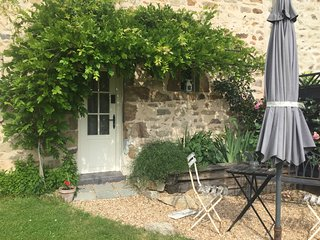 Mini Maison Logeat - comfortable home from home in the heart of the countryside