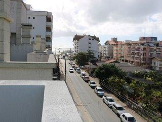 Aluguel Apartamento 3 quartos s/ 1 suite 150m Mar |Bombas/SC 144 - Apto Ed. Vict
