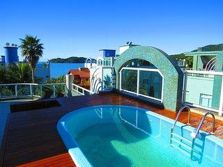 Cod 007 Cobertura Villa Luna com Piscina em condominio Frente ao Mar - Bombinhas