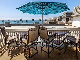 Penthouse Condo w/ Panoramic White Water Ocean  Views at Beach R