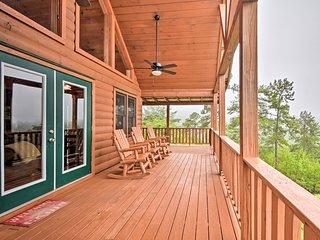 Murphy Cabin w/ Mtn. Views ~4 Mi to Cherokee Lake!