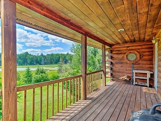 NEW! Jacksonville Cabin w/ Wraparound Deck & Views