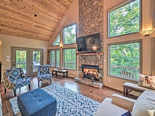 NEW! Wintergreen Home w/ Deck - 5 Min. to Slopes!