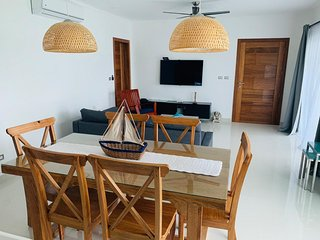 Close to the beach, 3rd floor Mia Hermosa E-301!. Brand New Luxury Condo.