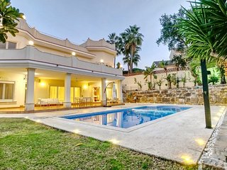 4 bedroom Luxury Villa