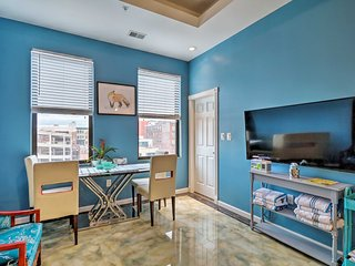 NEW! Dwntn Philly Condo Next to Convention Center!