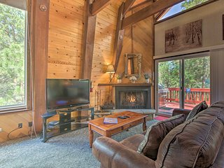 NEW-Big Bear Cabin w/Deck <2 Miles to Snow Summit!