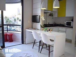 Lindo flat em Ondina com piscina e vista para o mar
