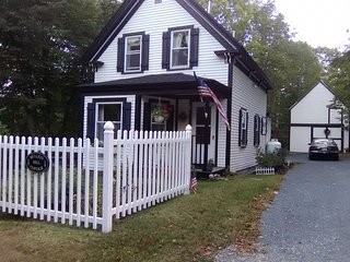 NEW! Cozy Mt Desert Cottage Near Acadia Natl. Park