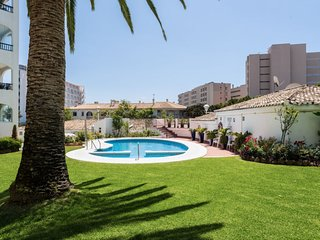 2 bedroom Apartment with Pool, Air Con and Walk to Beach & Shops - 5798537