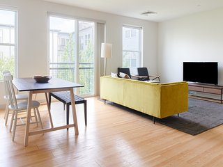 Sonder   Seaport District   Lovely 2BR + Laundry