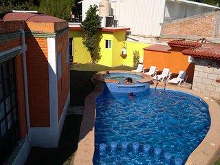 Casa en el Centro con alberca jacuzzi y Chapoteadero, Climatizada