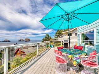 Oceanview group getaway in prime beachside location!