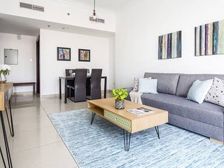 Premier 1BR Apartment in JLT - Sleeps 3!