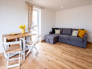 Three Tuns Apartments - Maple
