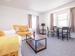 Three Tuns Apartments - Elm
