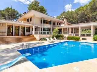 Golf and Holidays in Son Vida, modern villa 8 pax