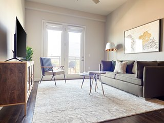 Sonder | Oak Grove | Bold 1BR + Balcony