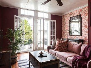 Sonder | Magazine Street | Bright 2BR + Balcony