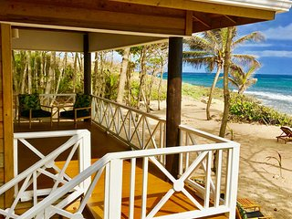 Turtle Beach Sanctuary - Green Turtle Bungalow With Private Beach