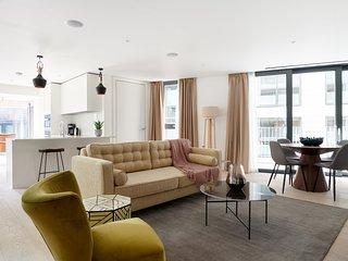 Sonder | Southwark Residence | Luxe 2BR + Balcony
