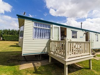 3 bed 7 berth caravan for hire in Breydon water in Norfolk ref 10107