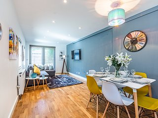 Stylish Luxury Apt Notting Hill + Garden Sleeps 8