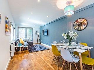 Stylish Luxury Apt Notting Hill + Garden Sleeps 8