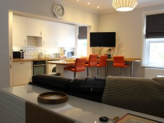 Filey Beach Retreat, 5 * apartment, on the beach, dog friendly sleeps 4/5, WIFI