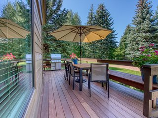 Newly remodeled condo w/ gourmet kitchen, spa tub & Sun Valley amenities!