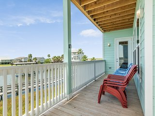 NEW LISTING! Beautiful bayfront home w/ boardwalk & boat mooring - 2 dogs OK!