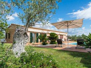 Casa rural Sa Finca en Muro con piscina y zona de juegos infantil