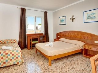 HOSTAL TALAMANCA HAB. TRIPLE TERRAZA - Property for 3 people in Cala D'Or