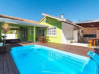 Aluguel Casa 4 quartos s/ 1 suíte Piscina  Bombas/SC 503 - Casa Bombas 4 quartos