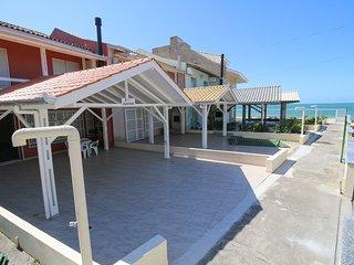 Aluguel Casa 3 quartos s/ 1 suíte frente Mar | Bombas/SC