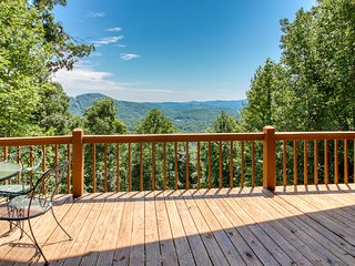 Dog-friendly, mountain view cabin w/ a fireplace, pool table, & outdoor firepit!
