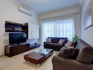 Gorgeous Apartment with Terrace in Fort Cambridge, Pool