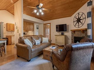 Paradise awaits in this 2 bed/2 bath cabin at Stonebridge