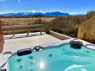 Two Luxury Houses for 16 Guests with HotTubs close to Snaefellsjokull Glacier