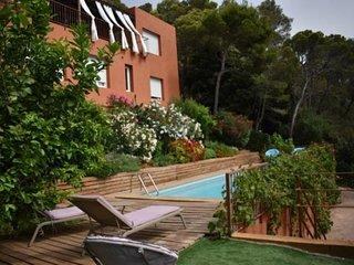 Begur Villa Sleeps 8 with Pool and WiFi - 5736626