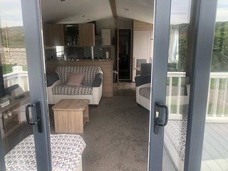 Luxury 2 bedroomed static caravan for hire